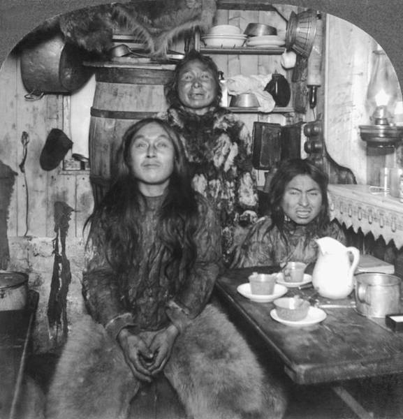 1900 Photograph - Eskimo Family Portrait by Underwood Archives