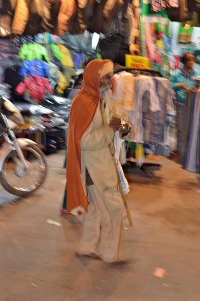 Photograph - Evening Devotionals - Pahar Ghanj Market - New Delhi by Kim Bemis