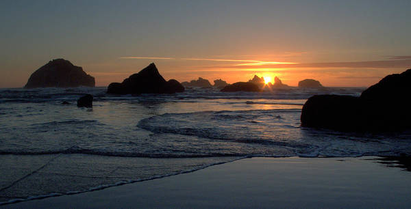 Photograph - Face Rock Sun Burst by Suzy Piatt
