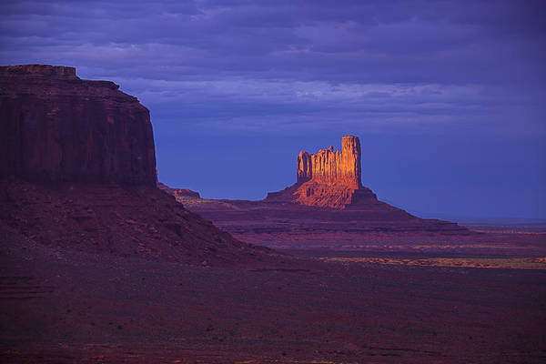 Navajo Indian Reservation Photograph - Fading Light Monument Valley by Garry Gay