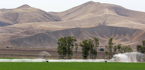 San Joaquin Valley Photograph - Farm Irrigation by Jim West/science Photo Library