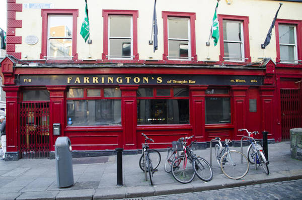 Temple Bar Wall Art - Photograph - Farringtons Pub - Dublin Ireland by Bill Cannon