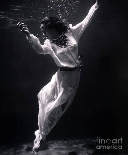 Wall Art - Photograph - Fashion Model Underwater, 1939 by Science Source