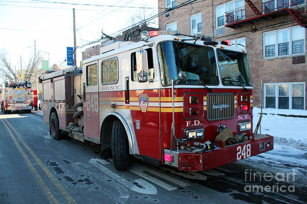 Photograph - Fdny Engine 248 by Steven Spak