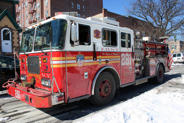 Photograph - Fdny Engine 281 by Steven Spak