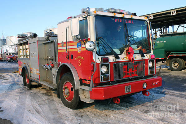 Photograph - Fdny Satellite 3 At 7 Alarm Fire by Steven Spak