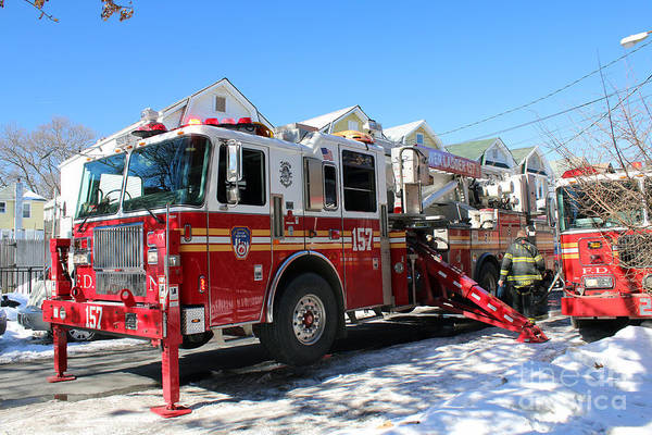 Photograph - Fdny Tower Ladder 157 by Steven Spak