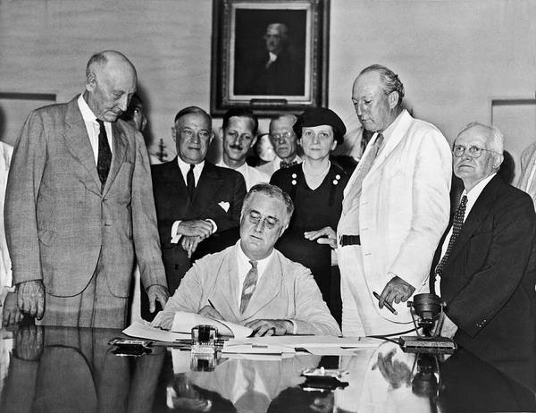 Fdr Signs Social Security Bill Art Print