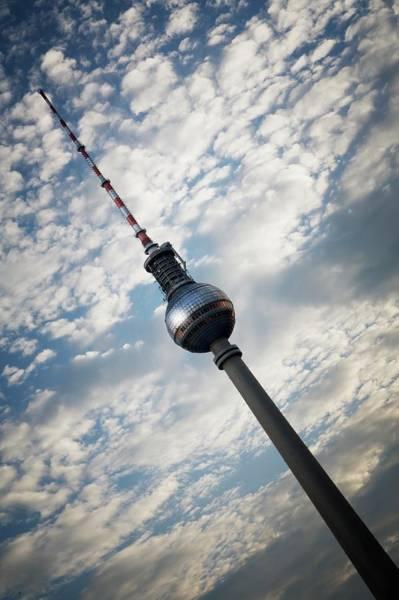 Fernsehturm To Tower Art Print