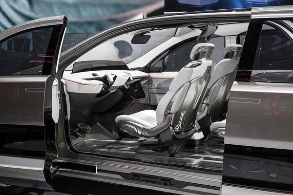 Auto Show Photograph - Fiat Chrysler Portal Electric Autonomous Vehicle by Jim West/science Photo Library