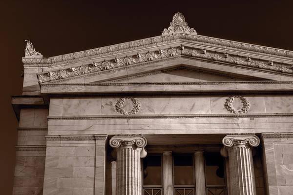 Wall Art - Photograph - Field Museum Of Chicago Bw by Steve Gadomski