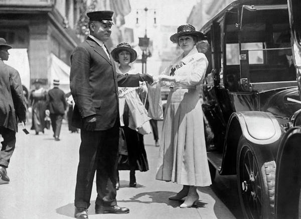 Photograph - Fifth Avenue War Fund Drive by Underwood Archives