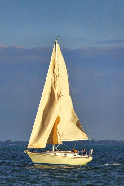 Grosse Pointe Farms Photograph - Filling The Sails by Kathy Wesserling