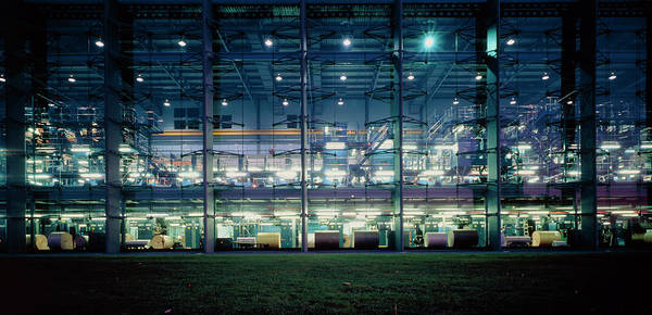 Printing Photograph - Financial Times Printing Plant by Alex Bartel/science Photo Library
