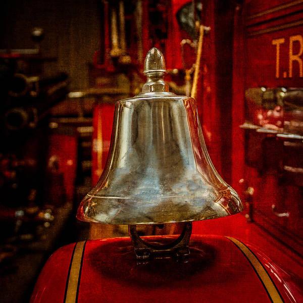 Fire Ring Photograph - Fire Truck Bell by Paul Freidlund
