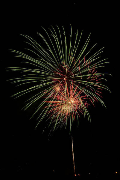 Photograph - Fireworks 5 by Wesley Elsberry