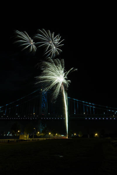 Photograph - Fireworks At The Ben Franklin Bridge by Dave Hahn