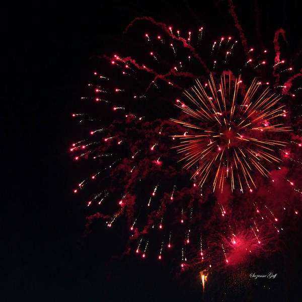 Fireworks Show Wall Art - Photograph - Fireworks Series V by Suzanne Gaff