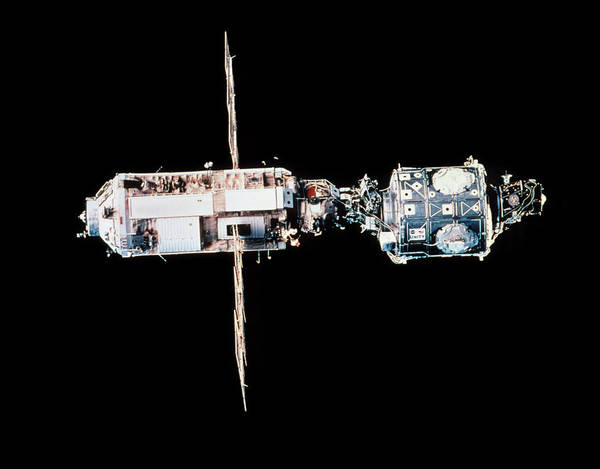Iss Photograph - First 2 Modules Of The International Space Station by Nasa/science Photo Library