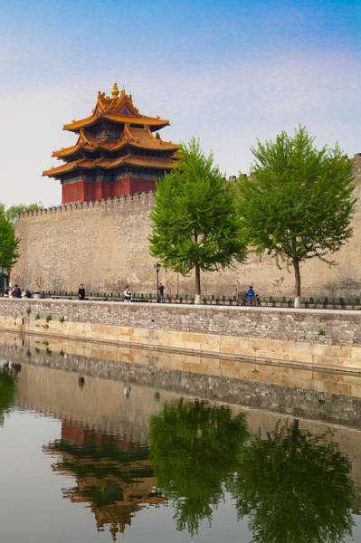 Forbidden City Photograph - First Glimpse Of The Forbidden City by W Chris Fooshee