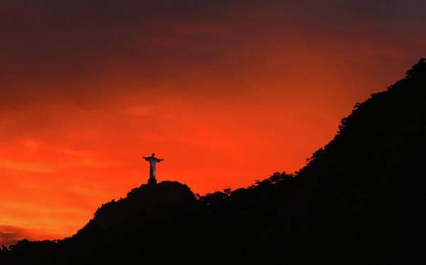 Setting Photograph - Fivb Beach Volleyball Rio Grand Slam - by Alexandre Schneider