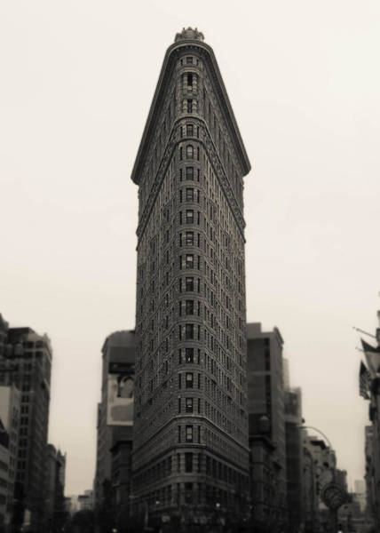 Mono Photograph - Flatiron Building - Nyc by Nicklas Gustafsson