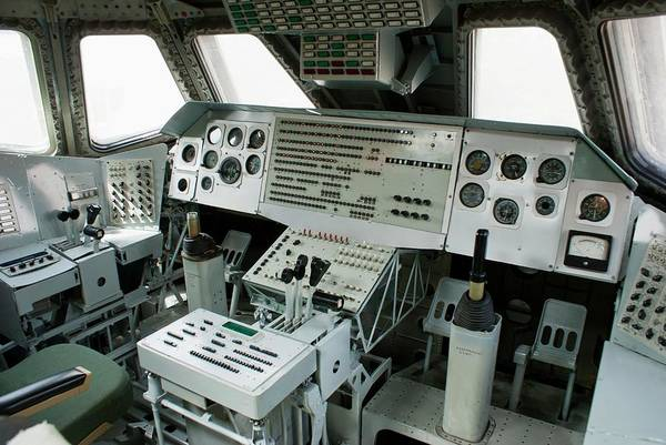 Flight Deck Photograph - Flight Deck Of Russian Space Shuttle by Mark Williamson/science Photo Library