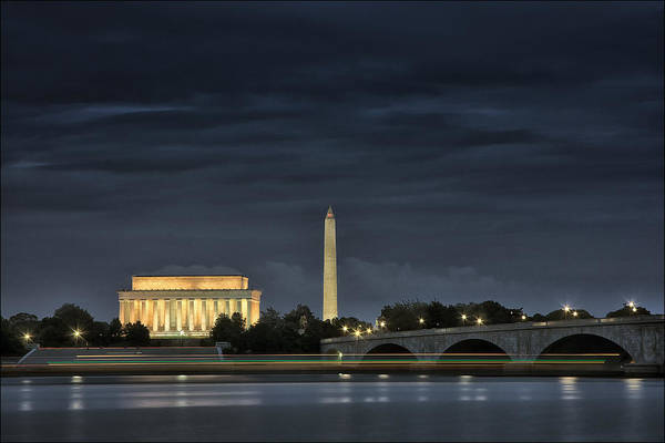 D.c Photograph - Floating By by Robert Fawcett