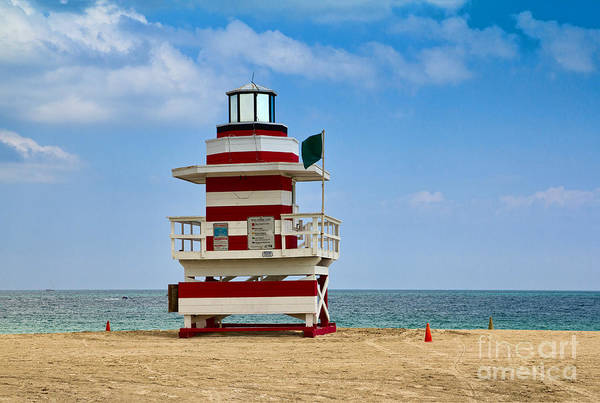 Photograph - Florida Lifeguard Station by Les Palenik