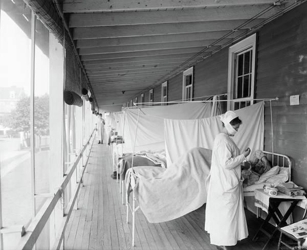 Photograph - Flu Ward, C1918 by Granger