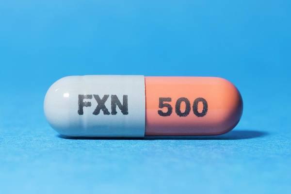 Pharmaceutics Wall Art - Photograph - Flucloxacillin Antibiotic Drug by Dr P. Marazzi/science Photo Library