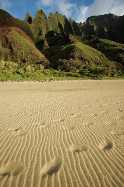 Kalalau Trail Wall Art - Photograph - Footprints Break The Pattern Of Sand by David Stubbs