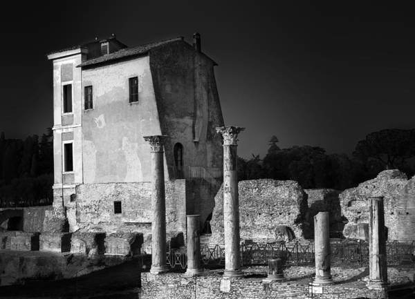 Photograph - Foro Romano by Julian Cook