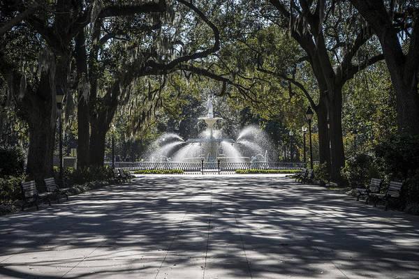 Forsyth Park Photograph - Forsyth Fountain Savannah Georgia by Bill Cubitt