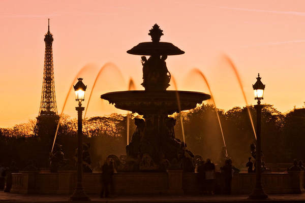 Photograph - Fountain On Place De La Concorde At Dusk / Paris by Barry O Carroll
