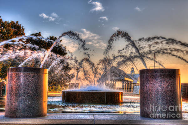 Photograph - Fountain Paradise by Dale Powell