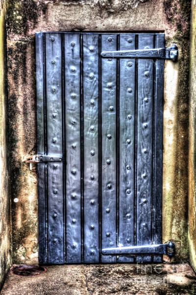 Photograph - Fourt Moultrie Door by Dale Powell