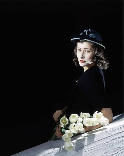 1942 Photograph - Francesca Rutherfurd With Flowers by Horst P. Horst