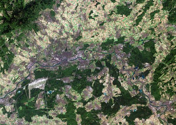 Hessen Photograph - Frankfurt by Planetobserver/science Photo Library