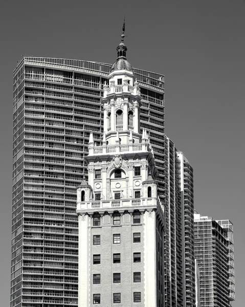 Photograph - Freedom Tower by Rudy Umans