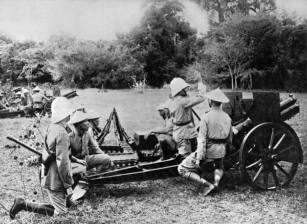 Indochina Photograph - French Cannoniers In Indochina by Underwood Archives