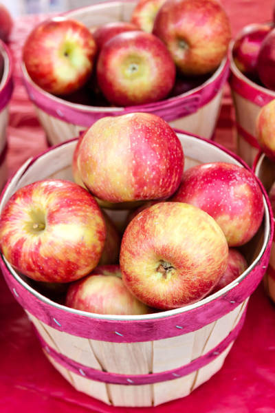 Photograph - Fresh Apples In Buschel Baskets At Farmers Market by Teri Virbickis