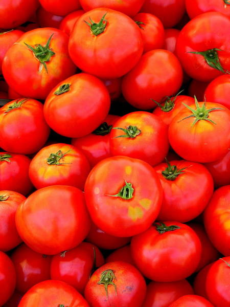 Photograph - Fresh Whole Tomatoes by Jeff Lowe