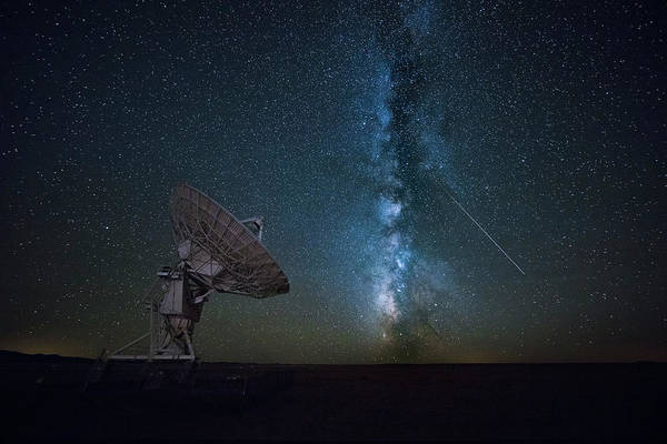 Communication Wall Art - Photograph - From The Universe by Michael Zheng