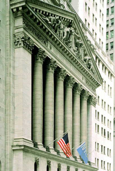 New York Stock Exchange Wall Art - Photograph - Frontage Of New York Stock Exchange Building by Alex Bartel/science Photo Library