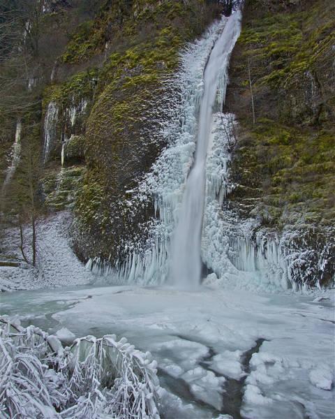 Photograph - Frozen Horsetail Falls 120813a by Todd Kreuter