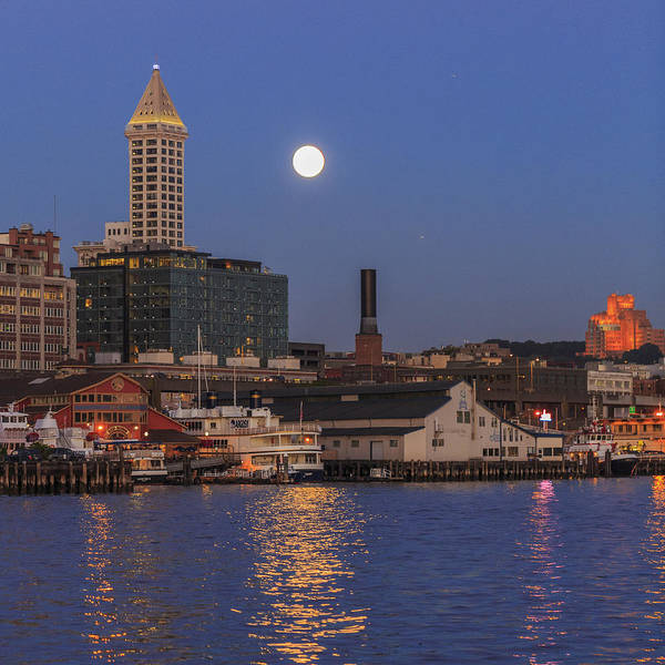 Elliot Bay Wall Art - Photograph - Full Moon Over Pioneer Square by Scott Campbell