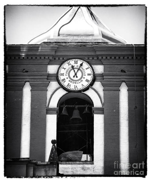 Photograph - Fundcion Estrella Medellin by John Rizzuto