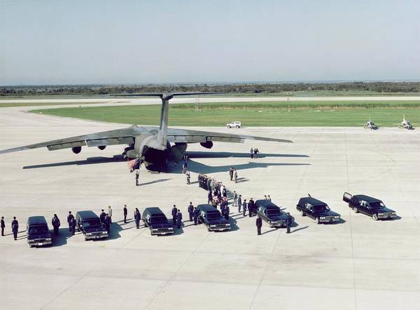 Wall Art - Photograph - Funeral Of Crew Of Shuttle Mission 51-l by Nasa/science Photo Library.