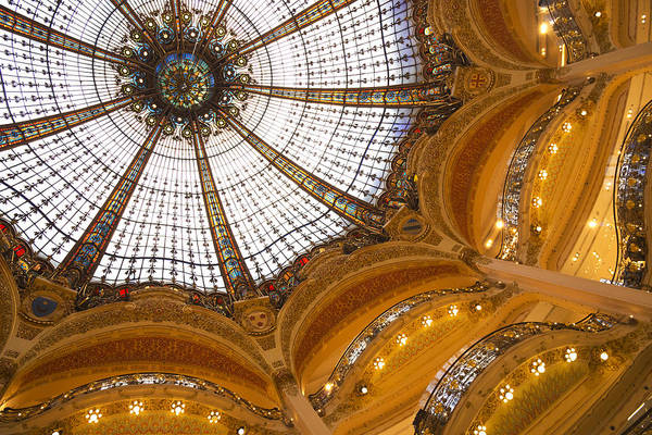Galeries Lafayette Photograph - Galeries Lafayette by Chevy Fleet